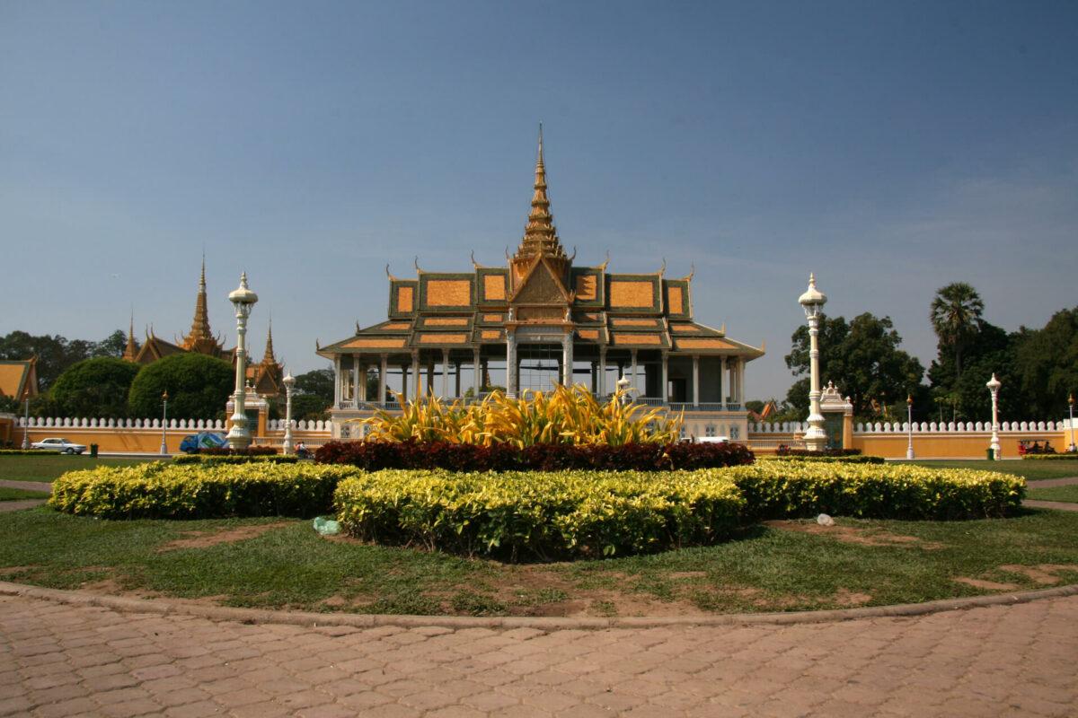 royal-palace-phnom